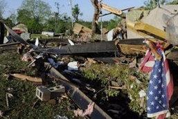 ผู้เสียชีวิตจากเหตุทอร์นาโดถล่มพุ่งเป็น 17 ราย