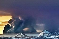 ภาพล่าสุดภูเขาไฟไอซ์แลนด์ ขี้เถ้าปกคลุมอังกฤษ