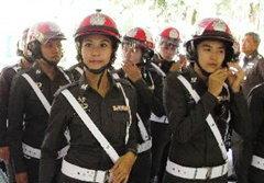 เปิดตัว! ตำรวจจราจรหญิง หมวกสีชมพู