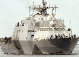 เรือรบ USS ฟรีดอม ของสหรัฐถึงสิงคโปร์