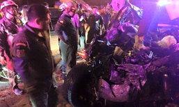 ดับสลด 6 ศพ! นักศึกษาม.ดัง ซิ่งแวนข้ามเลนชนรถกระบะ