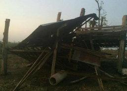 พายุฤดูร้อนลูกเห็บถล่มตากบ้านพังหลายหลัง