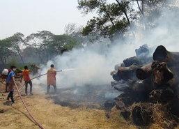 ไฟไหม้กลางโรงงานส่งออกไม้ชื่อดังลำปาง