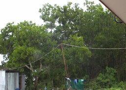 ฝนถล่มเชียงราย-เมืองคอนหลังคาสะพานลอย,บ้านพัง