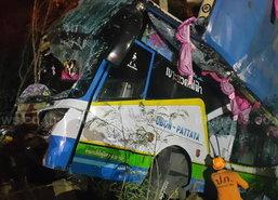 ทัวร์เบรกแตกชนรถตู้-กระบะตาย1เจ็บ30ที่ปราจีนฯ