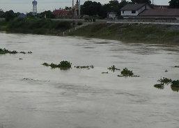 ผู้ว่าฯนนทบุรีสั่งพร่องน้ำรับน้ำเหนือทะลัก-ฝนถล่ม