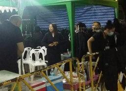 ปชช.ใช้บริการยืมเสื้อผ้าสีดำเข้ากราบพระบรมศพ