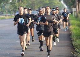 ตูนวิ่งวันที่10โออนุชิต,แจ็คแฟนฉันร่วมยอดทะลุ50ล.