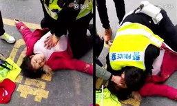 สลด! หญิงจีนล้มตายกลางถนน ตร.ปั๊มหัวใจช่วยแต่ไม่สำเร็จ