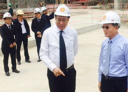 พรเพชรนำคณะทูตจีนเยี่ยมชมรัฐสภาใหม่