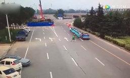 คนขับแท็กซี่จีนคุมรถไม่ดี พุ่งชนขบวนคนออกกำลังกายเจ็บระนาว
