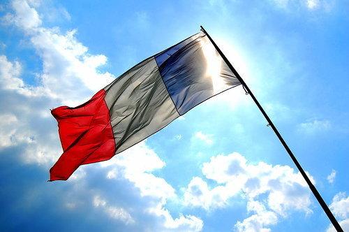 เหตุรุนแรงฝรั่งเศสฉุดตัวเลขท่องเที่ยวร่วง