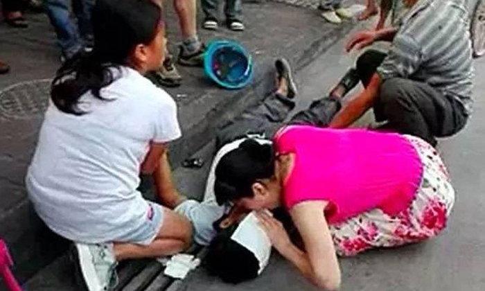 ชาวเน็ตจีนตามหา สาวช่วยลุงเป็นลม ด้วยการทำ CPR