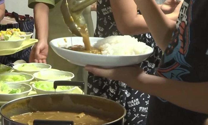 ญี่ปุ่นเปิดโรงอาหารกินฟรี ช่วยเหลือเด็กอดอยาก