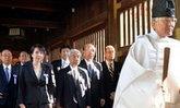 ส.ส.ญี่ปุ่น พร้อมใจสักการะศาลเจ้ายาสุคูนิ