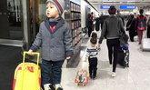 แม่เป้ย เผยความน่ารักของ น้องโปรด เรื่องกระเป๋าใส่ของเล่น