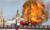 """ผู้ดีช็อค! รสบัสแดงบึ้มสนั่นกลางกรุงลอนดอน ที่แท้ฉากกองถ่ายหนัง """"เฉินหลง"""""""
