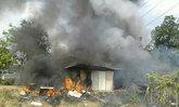 ปราจีนฯ-เผาขยะข้างทางไฟลามร้านซ่อมรถ