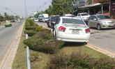 รถชนกัน4คันชนเสาไฟฟ้าล้มย่านคู้บอนเจ็บ9