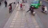 โซเชียลชื่นชม คลิปแท็กซี่ใจเด็ด เลี้ยวรถสกัดโจรกระชากกระเป๋า
