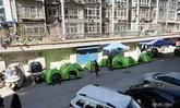 ชาวจีนกว่า 200 ครอบครัวกางเต้นท์นอน หลังตึกที่พักเกิดรอยแตกร้าวเสี่ยงถล่ม