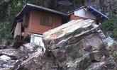 คืบหน้า!! หินหนัก 30 ตัน กลิ้งจากภูเขา พระวิ่งหนีตายอลหม่าน