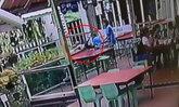 ร้านอาหารดังเตือน! คลิปเด็ก 2 ขวบ พลัดตกน้ำ ขณะยืนให้อาหารปลาริมรั้ว แนะผู้ปกครองระมัดระวัง