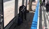 โจ๋ป่วนเมือง หิ้วกระเป๋าโยนใส่ป้ายรถเมล์ ชาวบ้านหนีกระเจิง