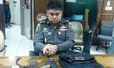 รวบหนุ่มแต่งกายแอบอ้างเป็นตำรวจที่ลาดพร้าว