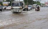 ลพบุรี-ปทุมฯอ่วมฝนหนักน้ำท่วมขังหลายหมู่บ้าน