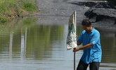 ชาวสวนปทุมธานี จี้ เร่งซ่อมถนนทรุด