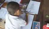 """น้องไอซ์จิตรกรน้อย 6 ขวบ วาดภาพ """"ในหลวง"""" เพื่อร่วมแสดงความอาลัย"""