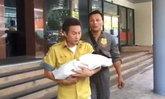 ขวัญผวากลางกรุง! แม่บ้านคอนโด เจอขาทารกโผล่จากชักโครก โร่แจ้งตำรวจ