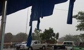 พายุฝนถล่มชัยภูมิผู้ค้าตลาดเทศบาลระทึกน้ำไหลลงปลั๊ก
