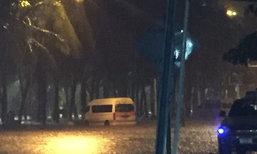 น้ำท่วมชายหาดบางแสนสูงเสมอฟุตปาธเหตุฝนตกหนัก