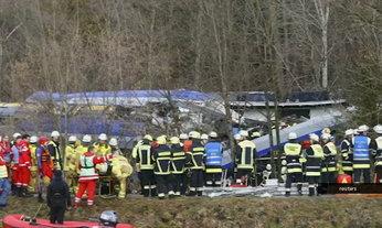 ระทึก! รถไฟเยอรมนีชนกัน ดับ 8 เจ็บนับร้อย