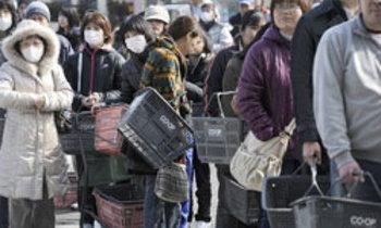 โลกทึ่ง! วินัยชาวญี่ปุ่น ไร้ปล้นสะดม-ต่อแถวซื้อของ