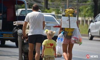 พ่อแม่ลูกฝรั่ง เดินเท้าเที่ยวจากหลีเป๊ะไปภูเก็ต ปลื้มน้ำใจคนไทย