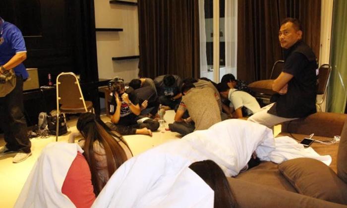 ตร.บุกทลายปาร์ตี้อัพยาเมืองชลบุรี เจอลูกชายรองผู้การฯ ร่วมด้วย