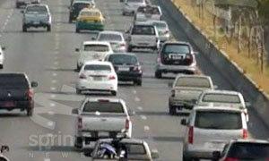 ประชาชนทยอยกลับ ส่งผลรถเริ่มหนาแน่นหลายเส้นทาง
