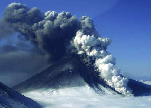 ภูเขาไฟมลรัฐอะแลสกาปะทุเลิกทุกเที่ยวบิน