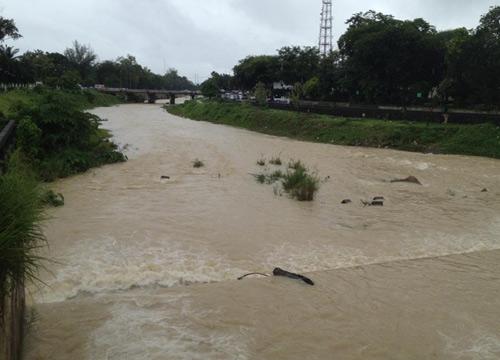 ระนองฝนตก5วันติด-ระวังน้ำหลากดินถล่ม