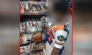 หลุด! ภาพเด็กประถมซื้อวีซีดีหนังเรตอาร์