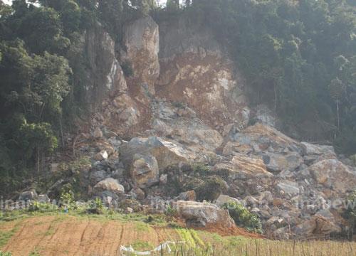 ตรัง สั่งกั้นบริเวณภูเขาหินถล่ม