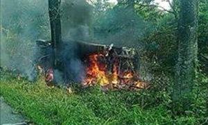 สลด! รถตู้แหกโค้งชนต้นไม้ ไฟลุกท่วม ดับ 8 ศพ