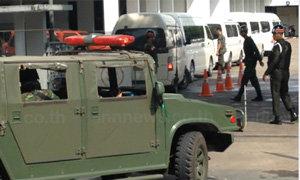 ทหารคุมตัวจตุพร -ณัฐวุฒิ-ขวัญชัยเข้าทบ.เทเวศร์