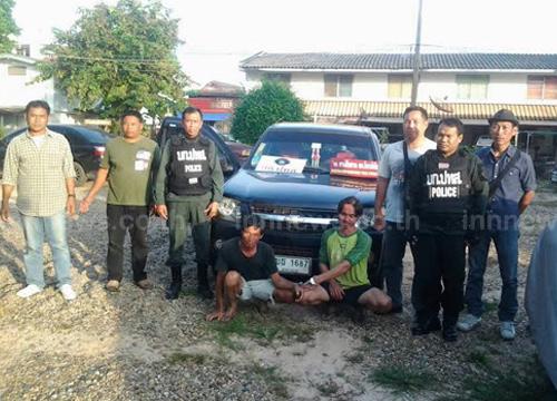 ตำรวจร่วมกับป่าไม้จับ2ผู้ต้องหาขนไม้พะยูง