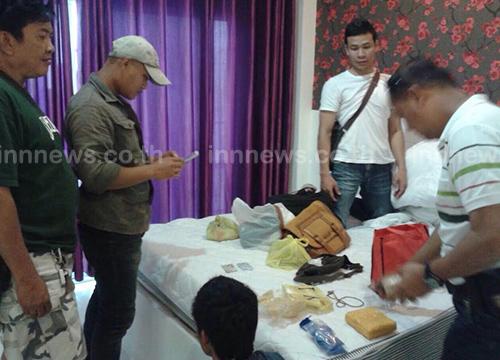ศรีสะเกษจับ 2 หนุ่มชลบุรีค้ายาบ้ากว่า 6,000 เม็ด
