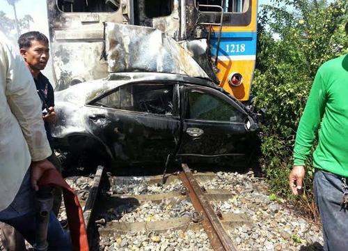 ทนายเพชรบุรีจ่อฟ้องศาลสั่งรถไฟติดแผงกั้น