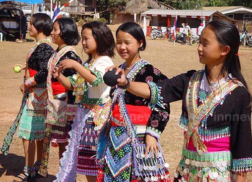 ชาวม้งเพชรบูรณ์ 2 หมู่บ้านเเตรียมจัดงานปีใหม่ม้ง